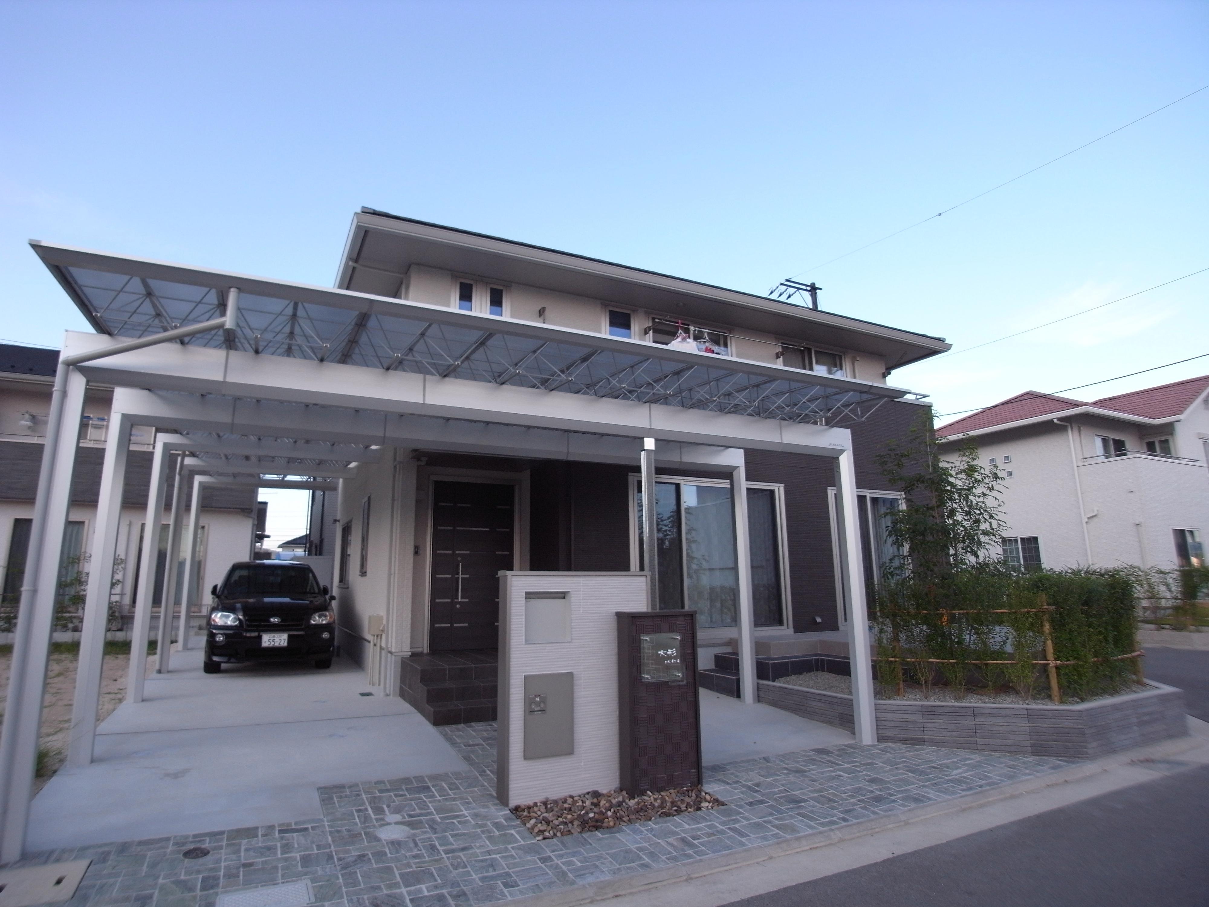 かっこいいカーポートのあるエクステリア 広島市安佐南区 ...